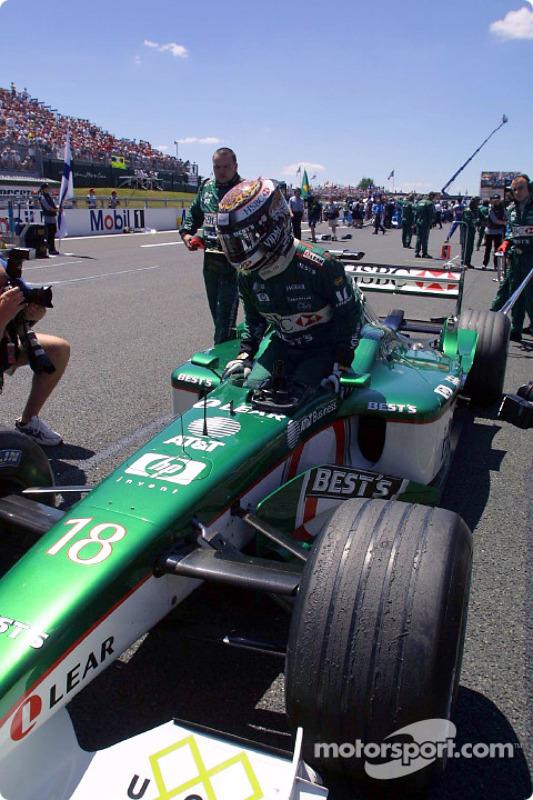 Eddie Irvine on the grid
