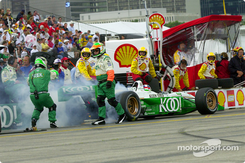 Pitstop for Dario Franchitti