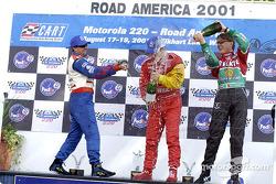 Le podium: Michael Andretti, Bruno Junqueira et Adrian Fernandez