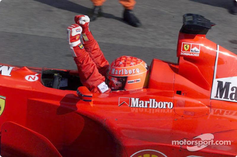 2000. Подіум: 1. Міхаель Шумахер, Ferrari. 2. Міка Хаккінен, McLaren-Mercedes. 3. Ральф Шумахер, Williams-BMW
