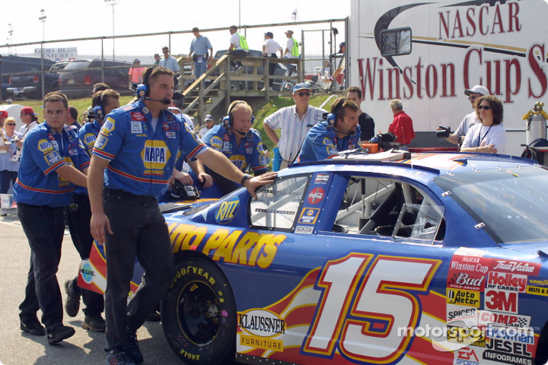 Dale Earnhardt Incorporated crew