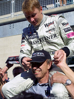 Mika Hakkinen and Jo Ramirez