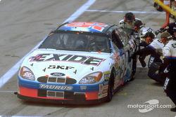 Jeff Burton et son équipe Roush Racing ont remporté quatre courses de NASCAR Winston Cup en 2000, dont la 500e victoire de Ford dans cette discipline