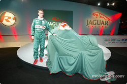 Eddie Irvine about to unveil the Jaguar R3