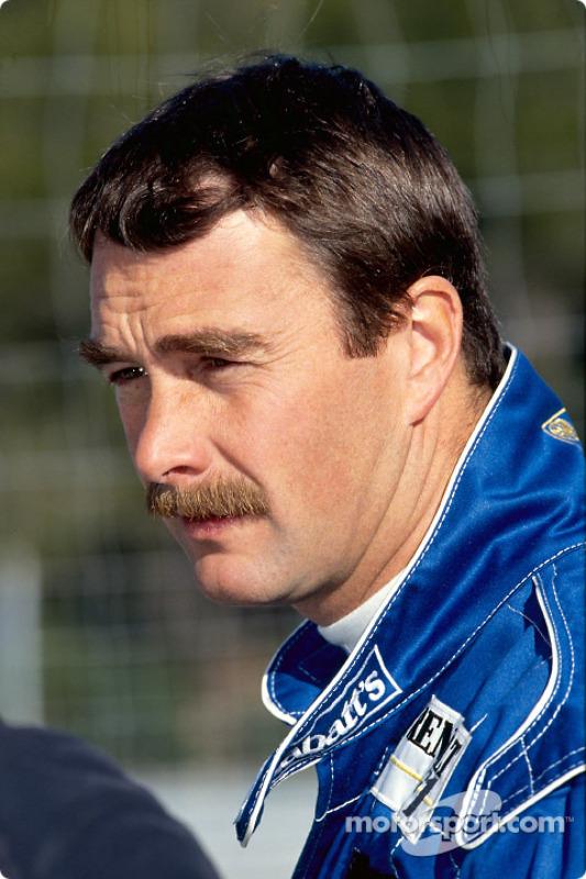 Nigel Mansell durante una prueba de manejo