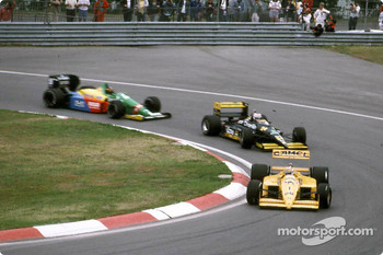 Luis Perez-Sala in the green Minardi (center) in 1989