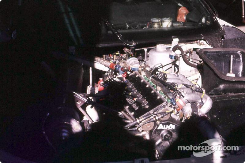 Le moteur de l'Audi 90 Quattro
