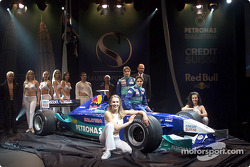 Peter Sauber, Nick Heidfeld et Felipe Massa présentent la nouvelle Sauber Petronas C21