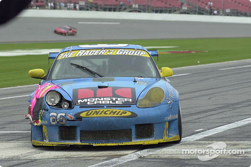 The Racer's Group GT3 R in trouble