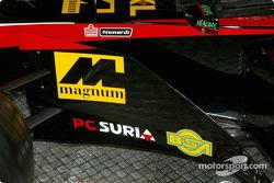 yeni Minardi Asiatech PS02: close-up
