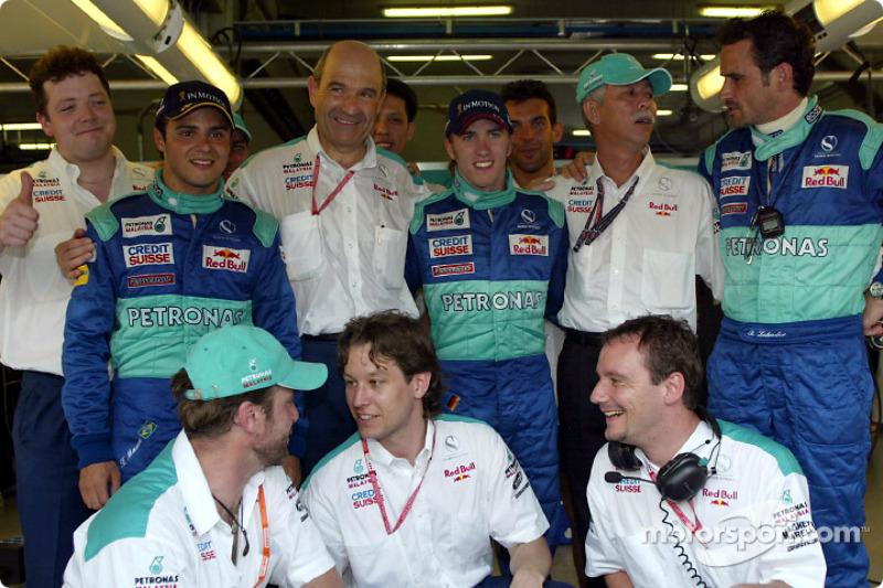 Peter Sauber, Felipe Massa, Nick Heidfeld et l'équipe Sauber sont heureux