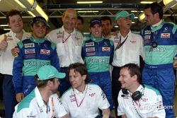 Peter Sauber, Felipe Massa, Nick Heidfeld and Team Sauber celebrating