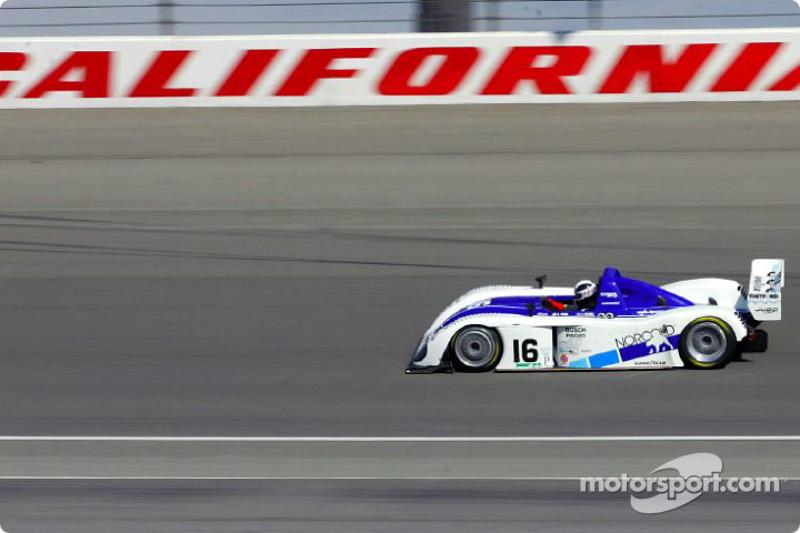 James Weaver sur le California Speedway pendant les qualifications du Grand American 400