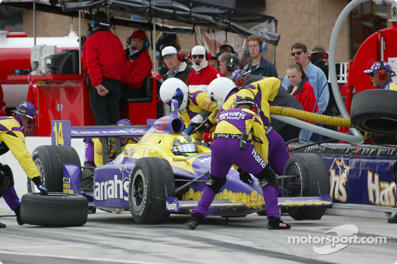 Pitstop for Airton Daré