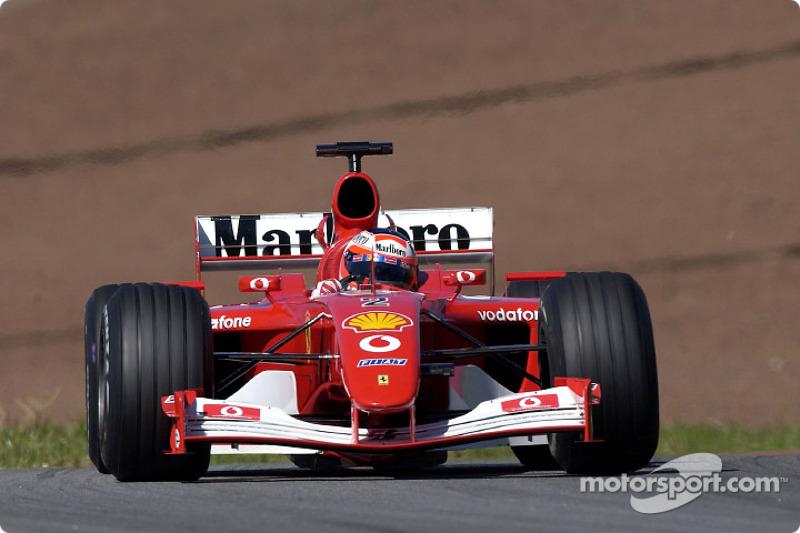 Rubens Barrichello en la sesión de calentamiento