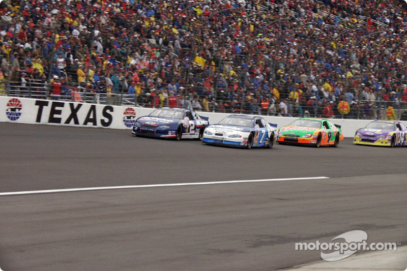Johnny Sauter, Randy Lajoie, Jeff Burton et Larry Foyt