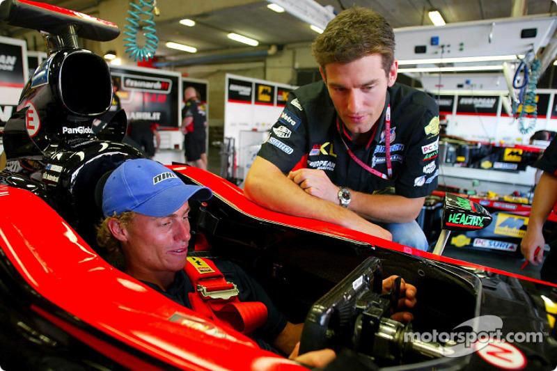 Mark Webber y el campeón Lleyton Hewitt