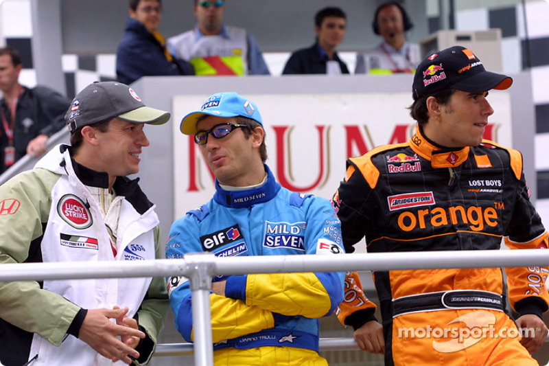 Drivers parade: Olivier Panis, Jarno Trulli and Enrique Bernoldi