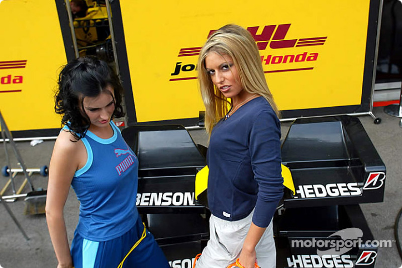 Austrian Grand Prix girls