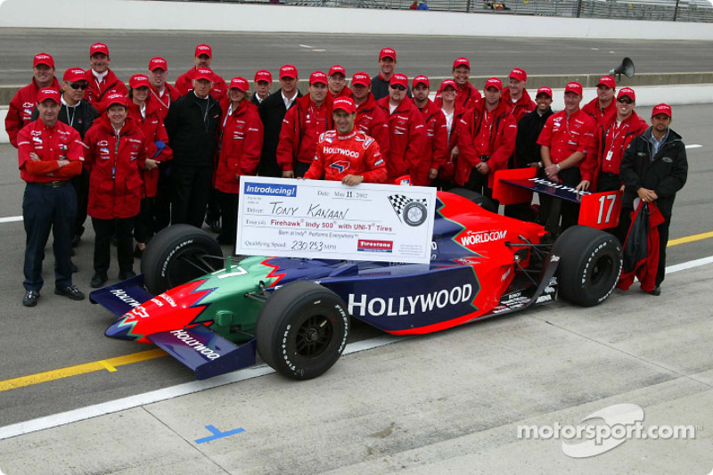 Tony Kanaan and Mo Nun Racing team
