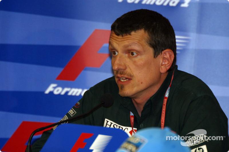 Conferencia FIA del viernes: Director Técnico y gerencial de Jaguar, Guenther Steiner