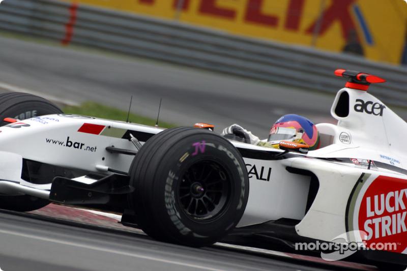 Lección de como tomar una curva con Jacques Villeneuve en la curva Senna: parte 3