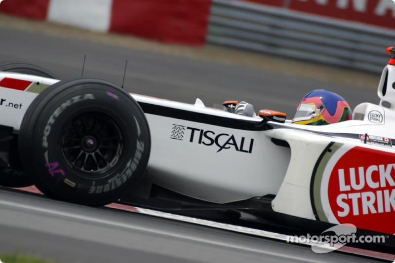 Cornering lesson with Jacques Villeneuve at Senna curve: part 4