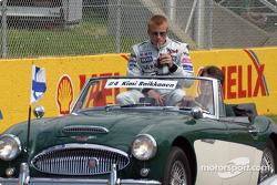 Drivers' parade: Kimi Raikkonen