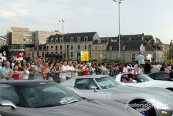 Corvette alignment on Place des Jacobins