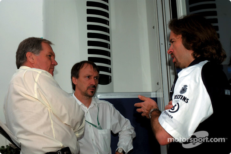 Patrick Head WilliamsF1 Technical Director with Heinz Paschen and Gavin Fisher