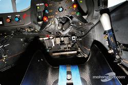 BMW V12 LMR cockpit