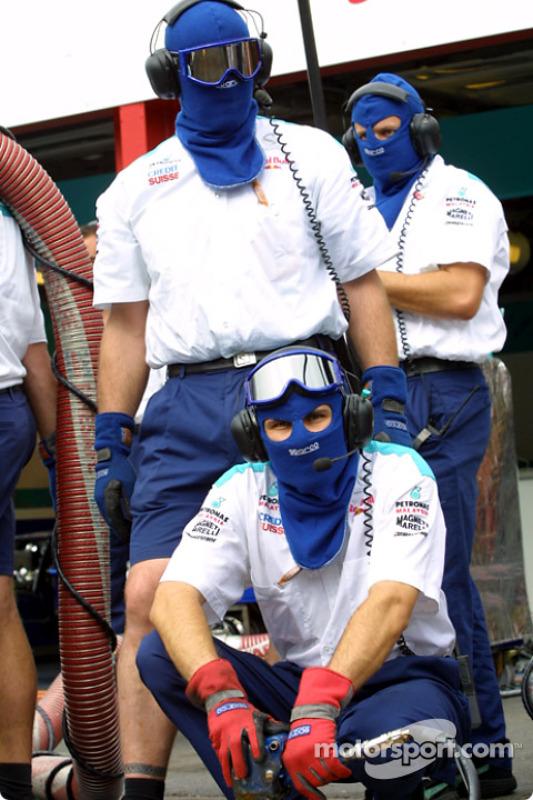 Pitstop practice for Team Sauber