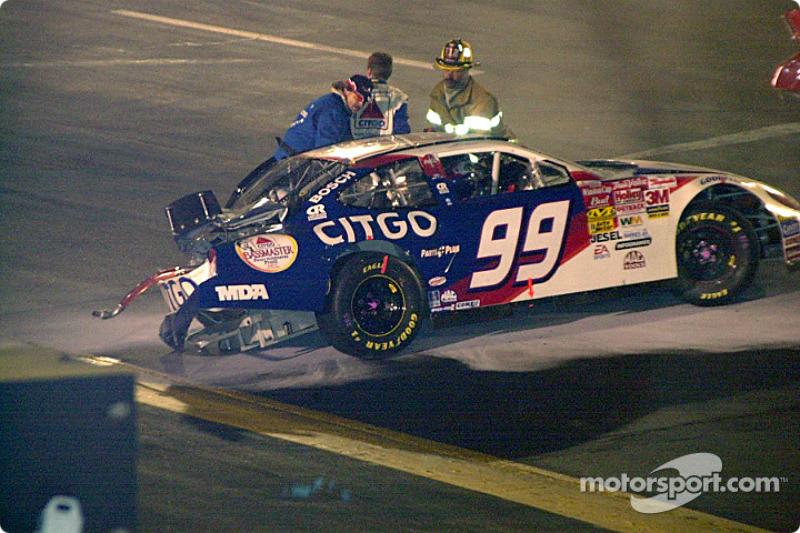 Jeff Burton sale de su auto un poco más rápido