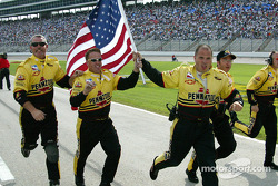 Panther Racing crew celebrates