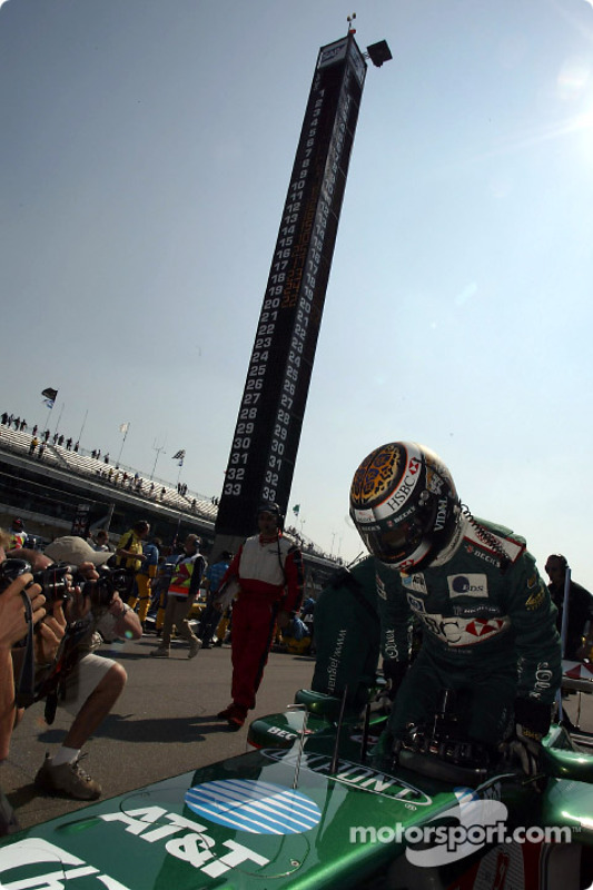 Eddie Irvine on the starting grid
