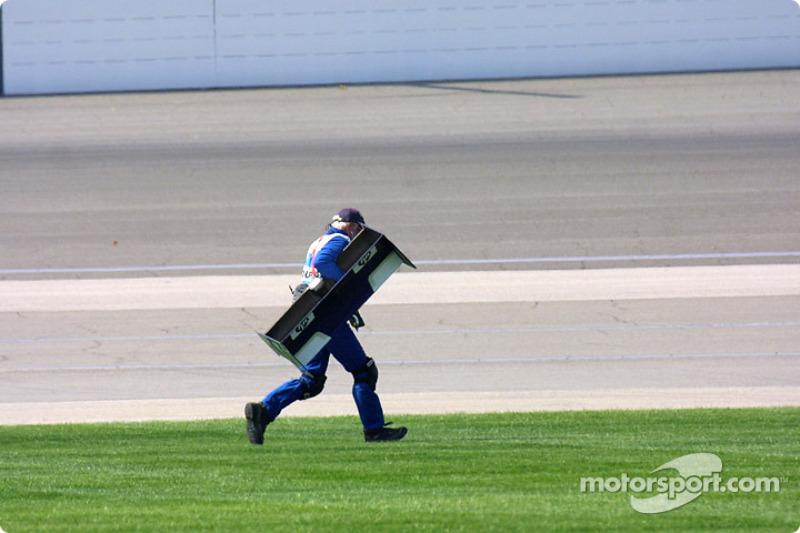 Corriendo con el alerón trasero de  Ralf Schumacher