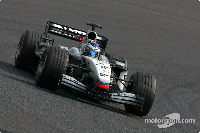 2002: McLaren-Mercedes MP4-17