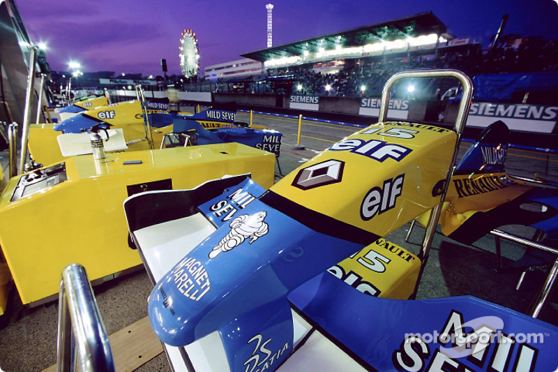 Renault F1 pit area