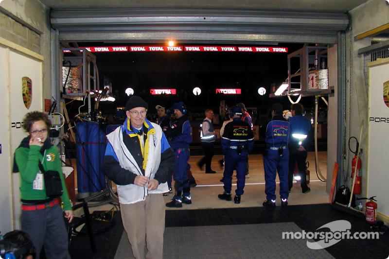 El área de pits de Racer's Group
