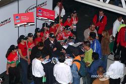 Autograph session for Adrian Fernandez, Luis Diaz and Shinji Nakano