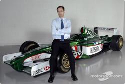 Nuevo jefe de la división de rendimiento premier de Jaguar Racing, Tony Purnell en el centro de oper