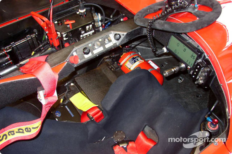 Cockpit of the LMP675 AER-powered Courage C65