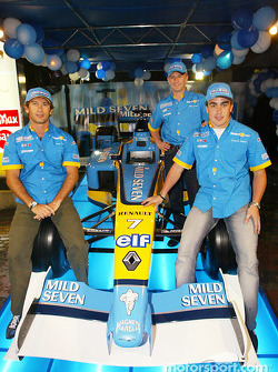 Renault F1 party in Sepang: Jarno Trulli, Fernando Alonso and Allan McNish