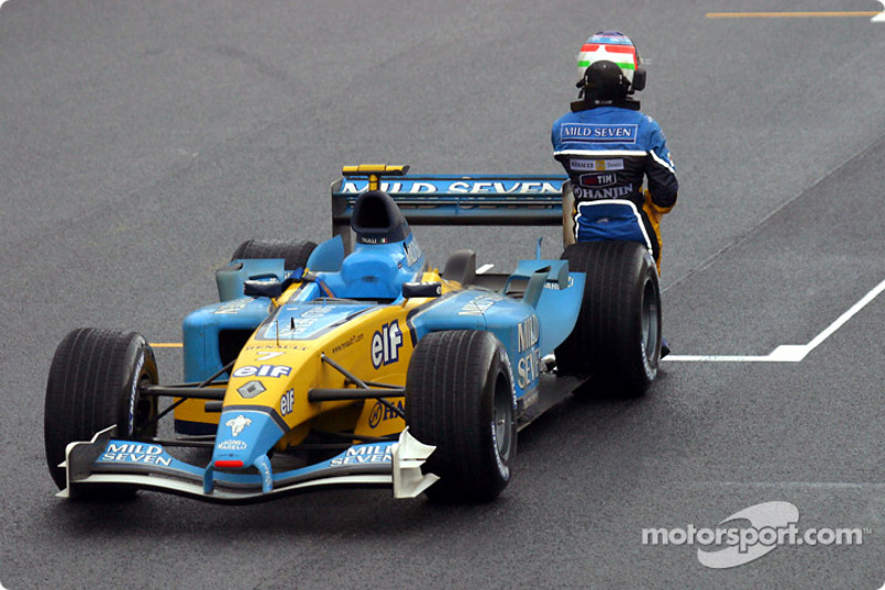 Mais abandonos na primeira volta: Jarno Trulli