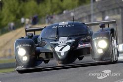 Экипаж Bentley Speed 8 в составе Тома Кристенсена, Ринальдо Капелло и Гая Смита