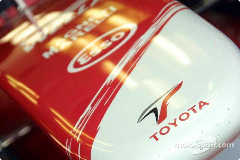 Toyota nose cone