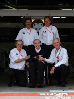 Frank Williams with Dr Mario Theissen (BMW Motorsport Director), Dr Burkard Goeschel (Board member for Development BMW Group), Dr. Helmut Panke, Chairman of the BMW Board, and Gerhard Berger (BMW Motorsport Director)