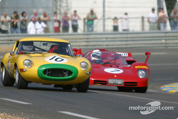 #10 Jaguar E Type: Carlos Monteverde, and #7 Ferrari 512S: Nick Mason, Mark Hales