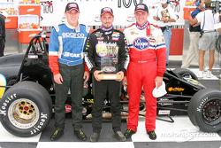 Le top 3 final: Aaron Fike (second), Dave Steele (premier), and Ed Carpenter (troisième)