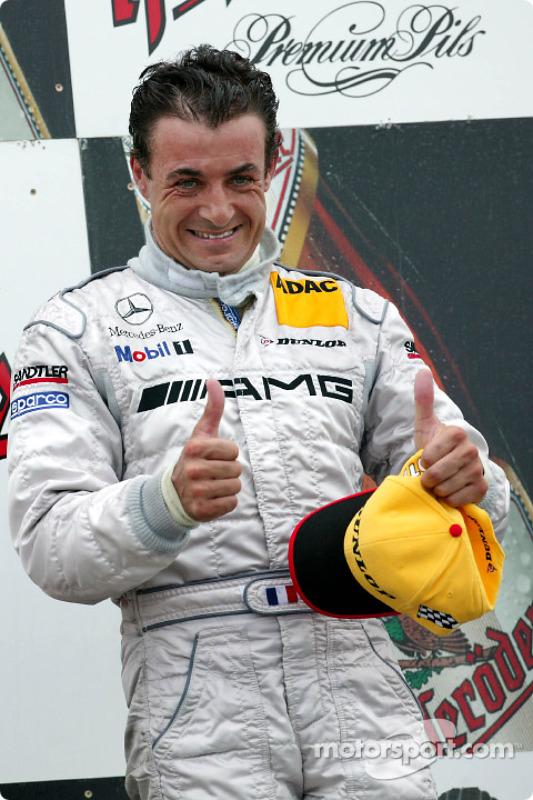 Le podium: le vainqueur Jean Alesi